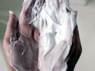 うるおい洗顔クリームの泡立ち